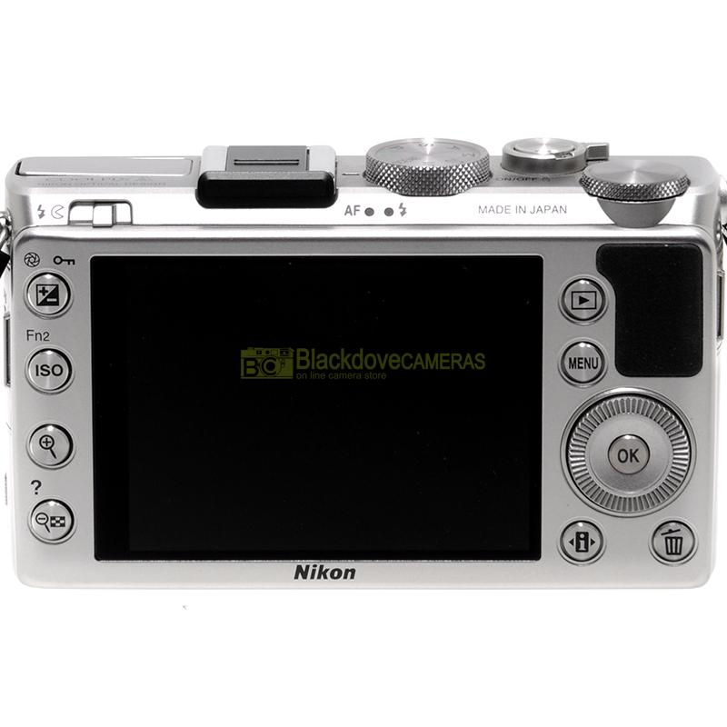 Fotocamera digitale Nikon Coolpix A con 28mm f2,8