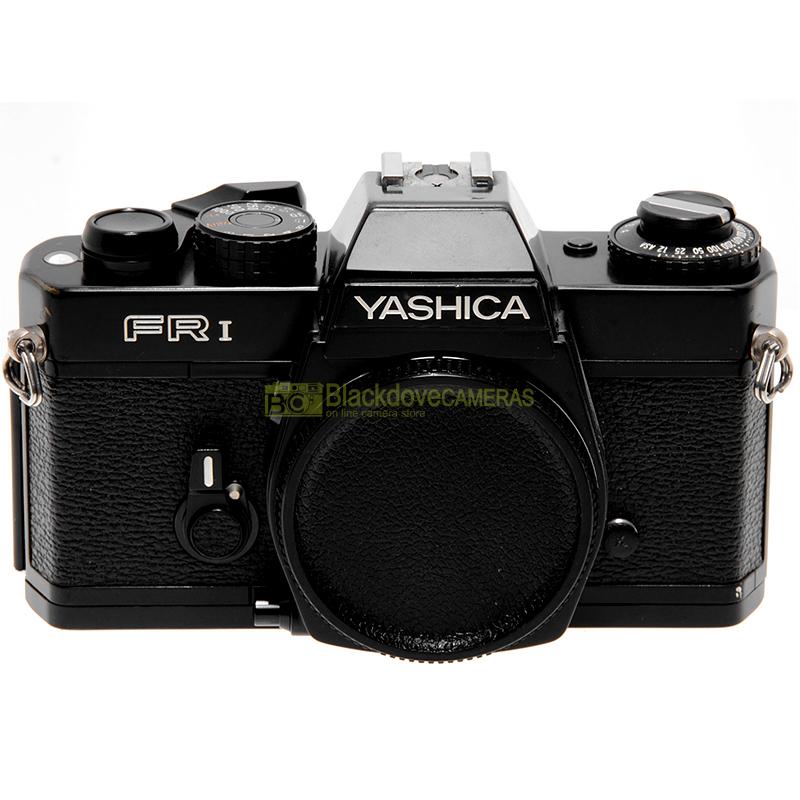 Yashica FR I. Fotocamera reflex a pellicola. Macchina fotografica 24x36