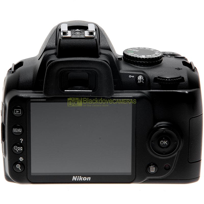 Nikon D3000 back