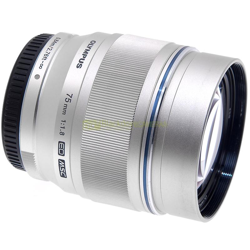 Obiettivo Olympus M Zuiko Digital 75mm f1,8 ED per micro 4/3 MFT + paraluce JJC