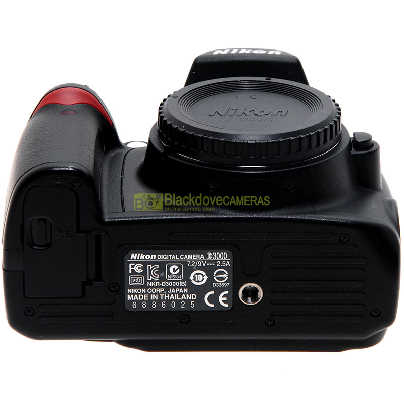 Nikon D3000 front